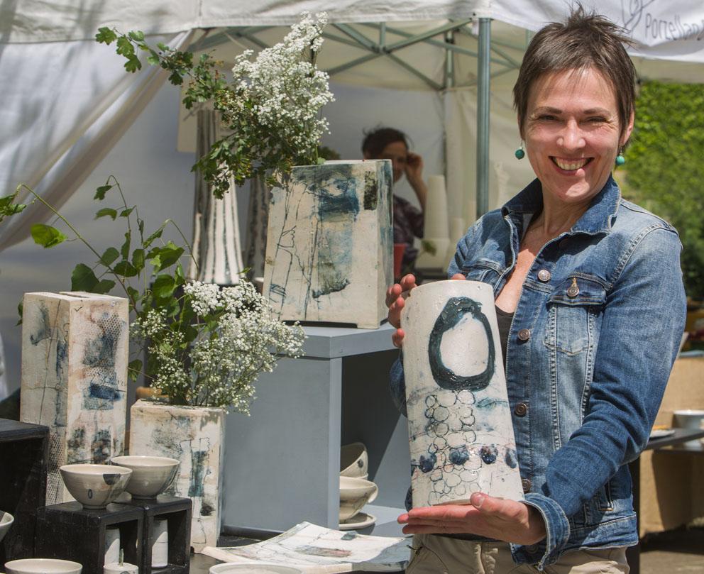 T pfermarkt und keramik in den sp th schen baumschulen for Gartenskulpturen aus ton