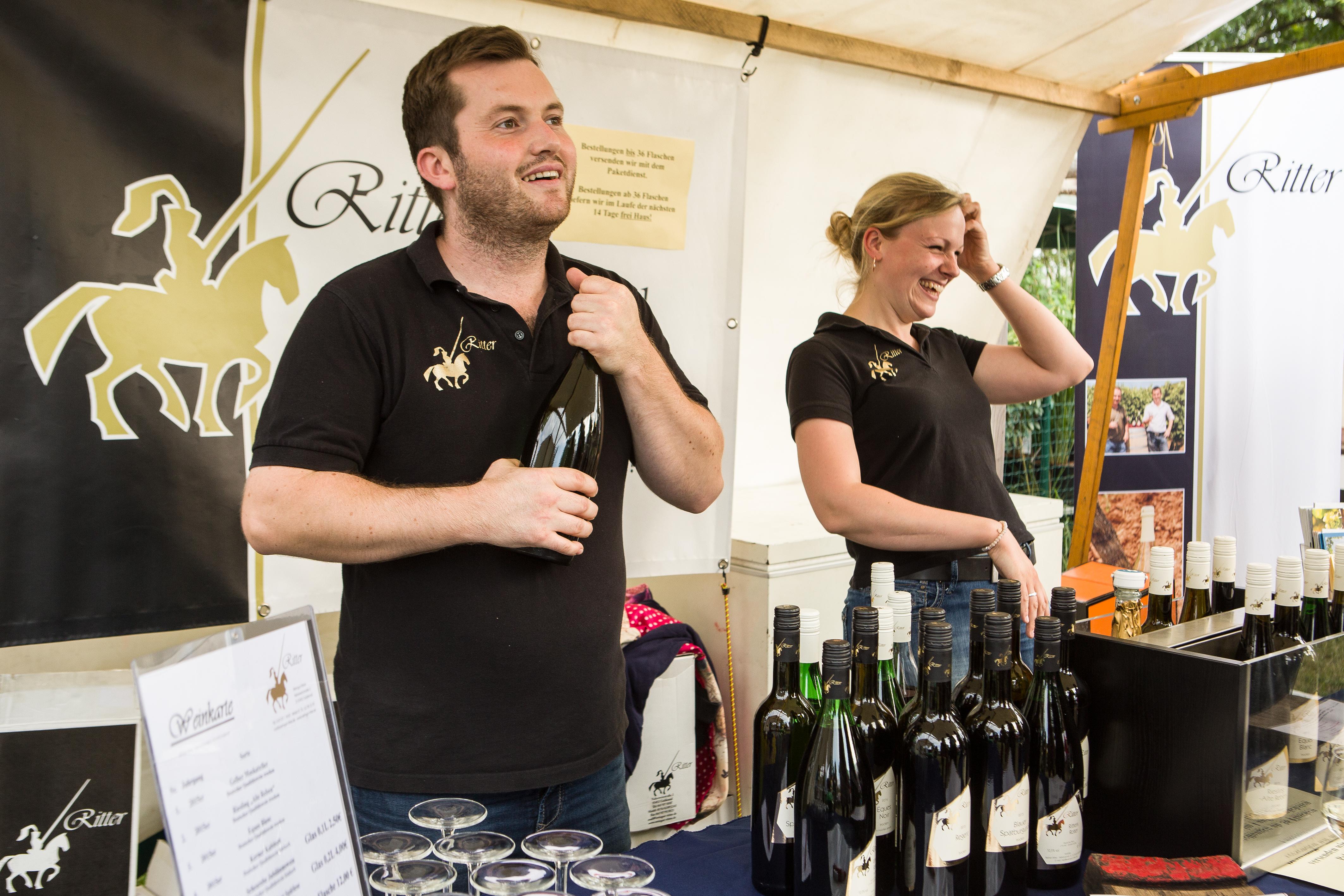 Weinfest in den Späth'schen Baumschulen, Pressefoto mit dem Weingut Ritter, 8,24 MB