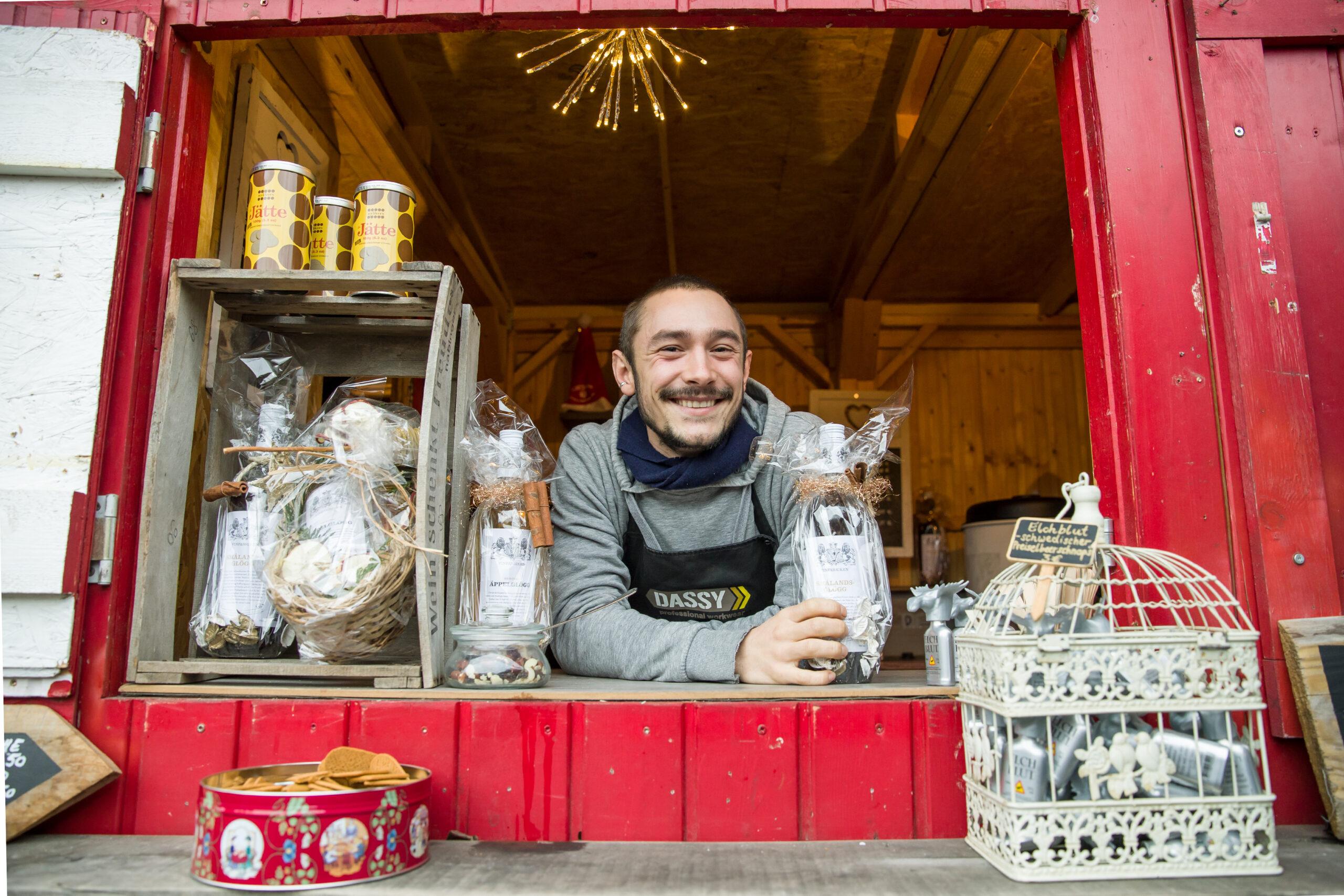 Glögg-Ausschank beim Weihnachtsmarkt